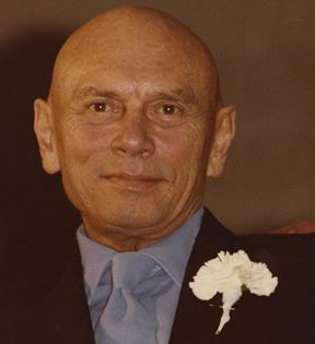 Yul Brynner (Peter Warrack)