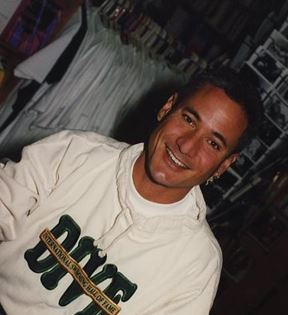 Greg Louganis (Peter Warrack)
