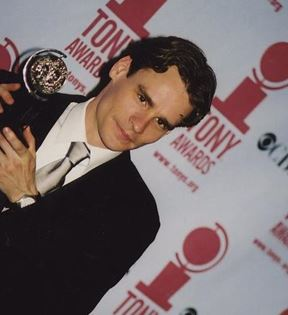 Robert Sean Leonard (Peter Warrack)