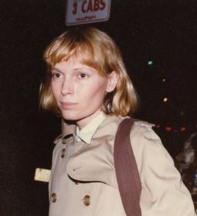 Mia Farrow (Peter Warrack)
