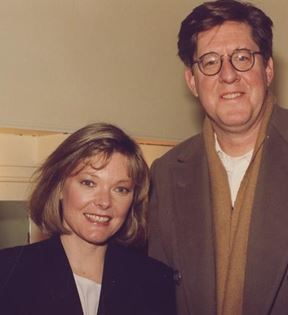 Jane Curtin & Edward Herrmann (Peter Warrack)