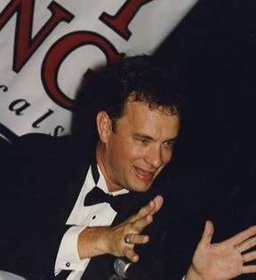 Tom Hanks (Peter Warrack)