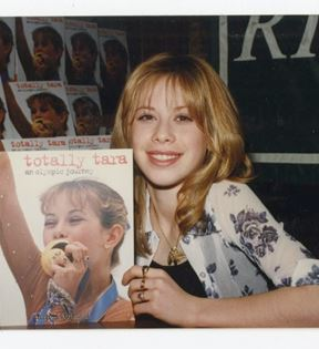 Tara Lipinsky (Peter Warrack)